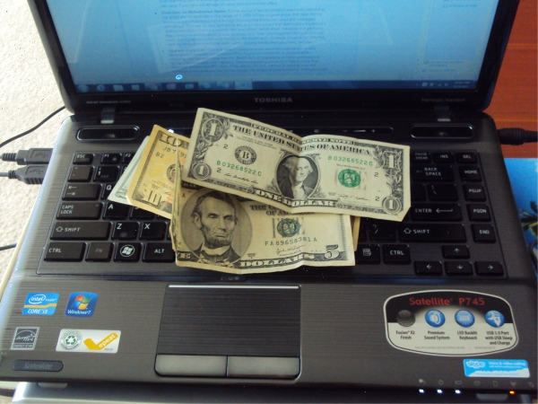 Computer Geek? Try These Money-Saving Tips! (Guest Post)